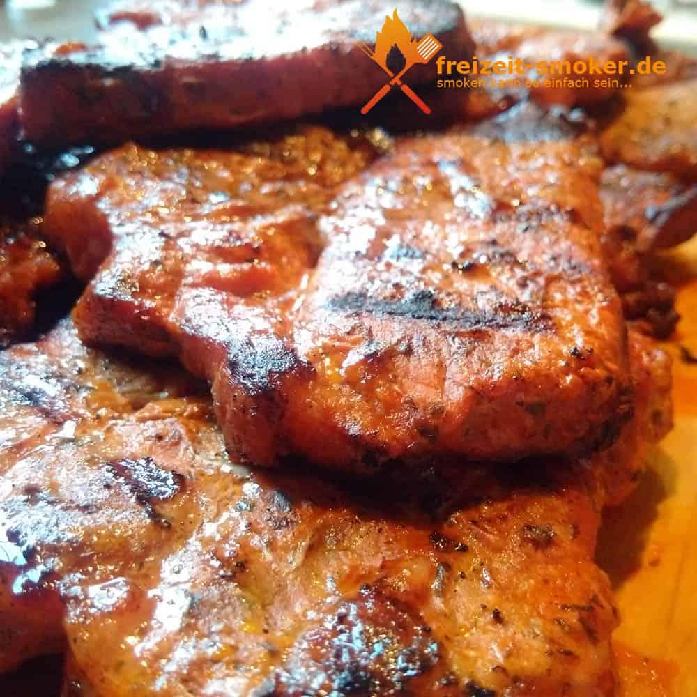 steaks vom bbq smoker grill freizeit. Black Bedroom Furniture Sets. Home Design Ideas