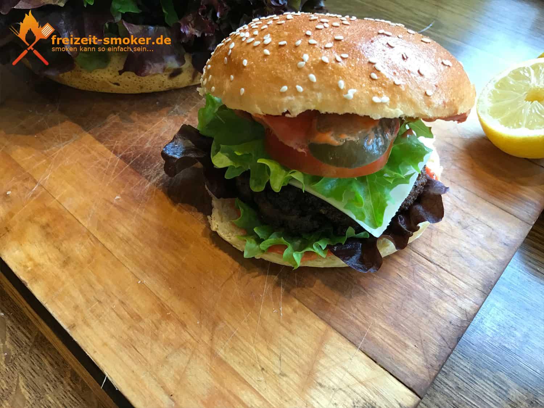 giant burger einfach selbst gemacht freizeit. Black Bedroom Furniture Sets. Home Design Ideas